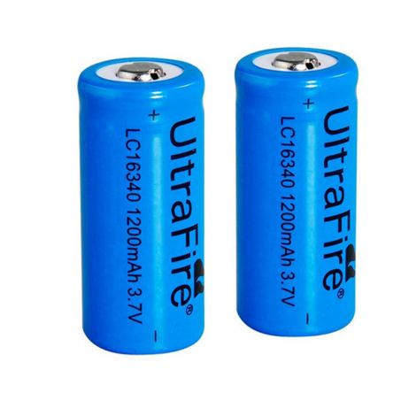 2x Ultrafire 16340 batteries